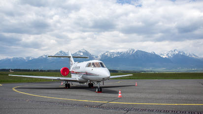 OM-OIG - Private Hawker Beechcraft 800