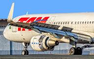 PT-XPF - TAM Airbus A321 aircraft