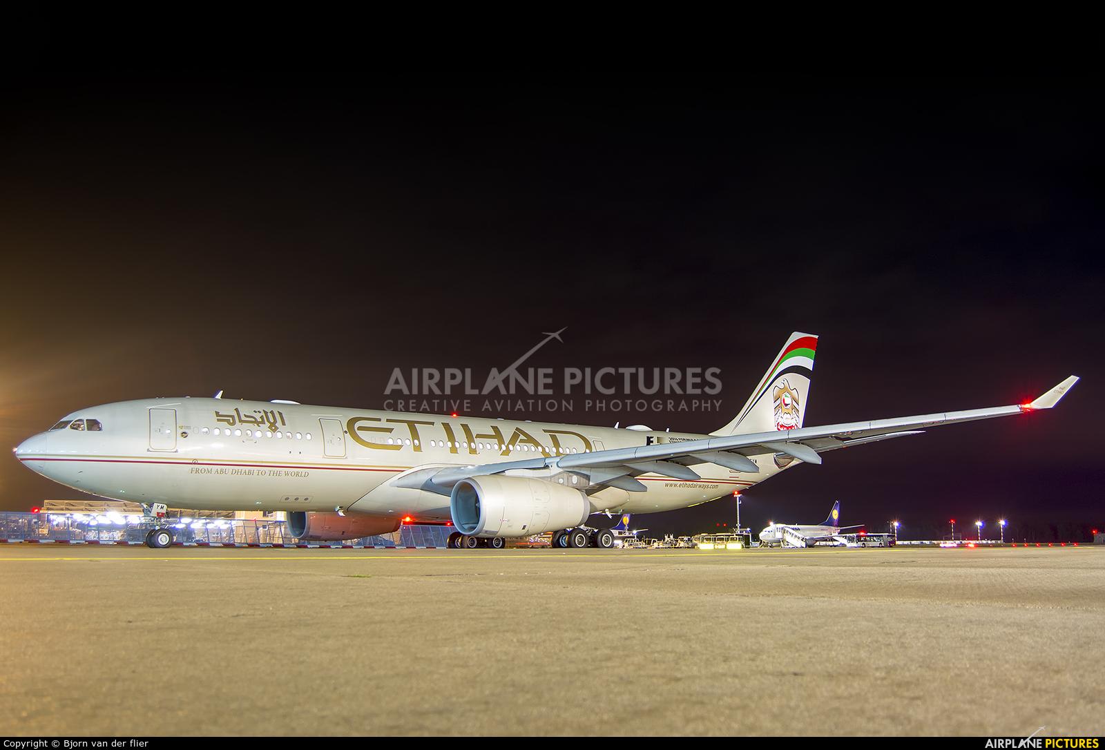 Etihad Airways A6-EYM aircraft at Frankfurt