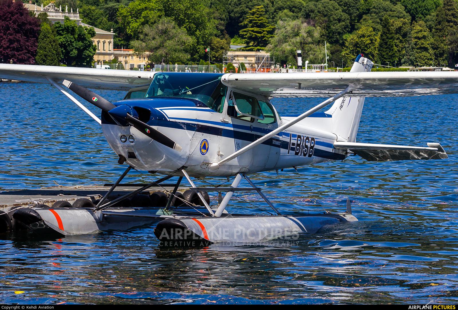 Private I-BISB aircraft at Como Idroscalo
