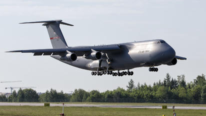 870041 - USA - Air Force Lockheed C-5A Galaxy