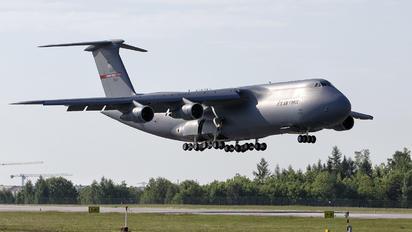 870041 - USA - Air Force Lockheed C-5A Galaxy
