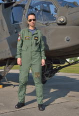- - Poland - Navy - Airport Overview - People, Pilot