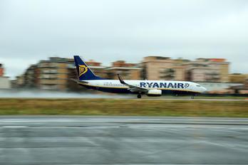 CIA - Ryanair Boeing 737-800