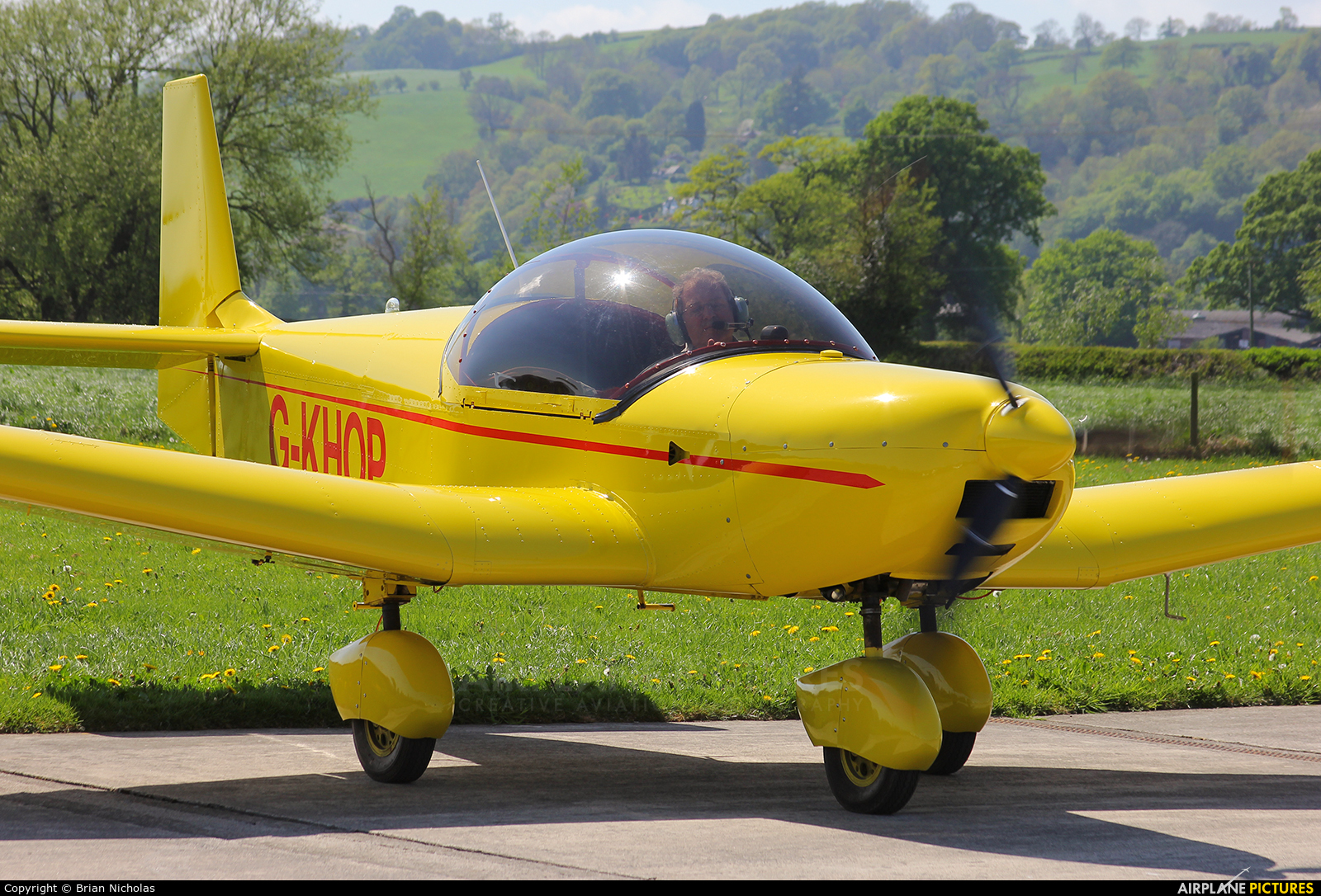 Private G-KHOP aircraft at Welshpool