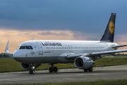 D-AIUM - Lufthansa Airbus A320 aircraft
