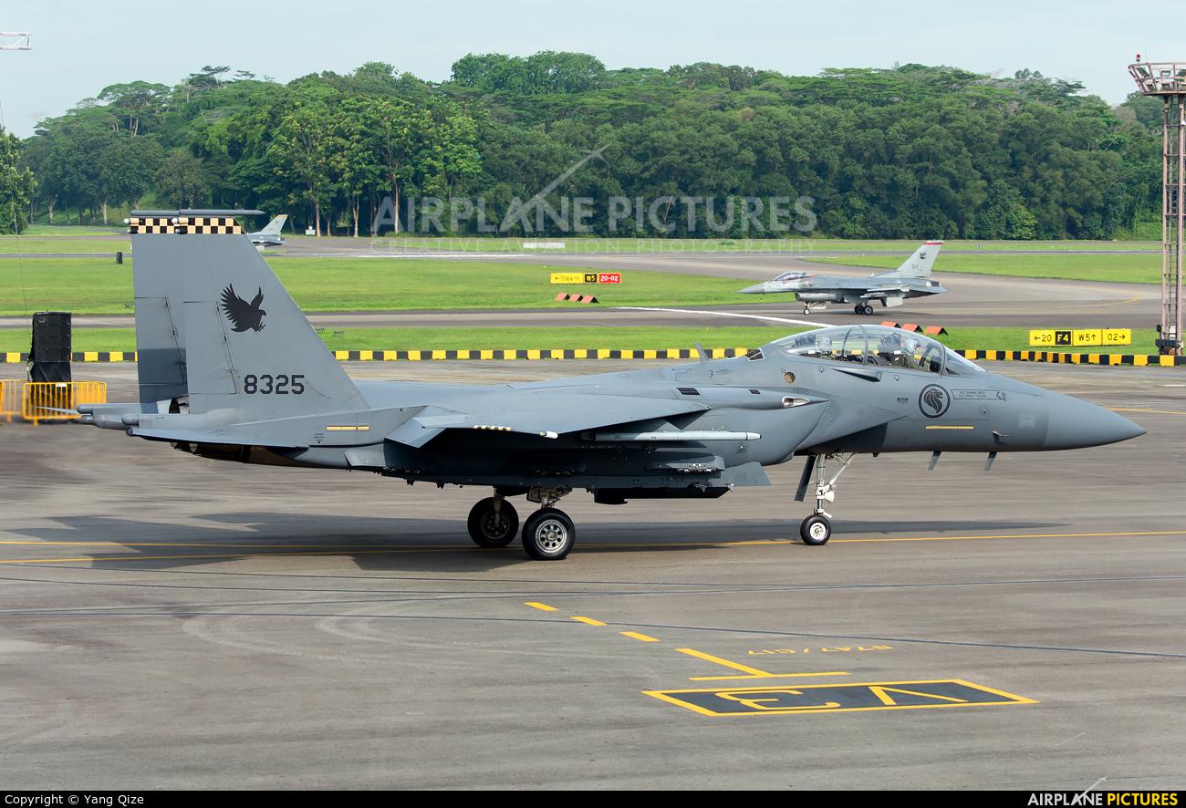 Singapore - Air Force 8325 aircraft at Paya Lebar