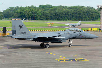 8325 - Singapore - Air Force Boeing F-15SG Strike Eagle