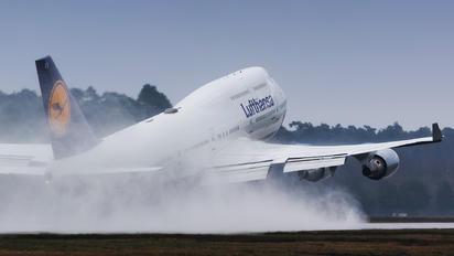 D-ABVX - Lufthansa Boeing 747-400