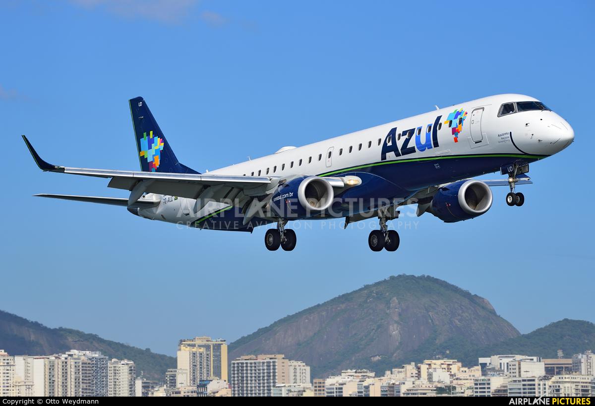 Azul Linhas Aéreas PR-AUD aircraft at Rio de Janeiro - Santos Dumont