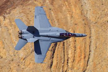 157 - USA - Navy McDonnell Douglas F/A-18E Super Hornet