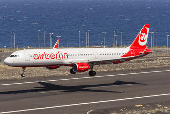 D-ABCQ - Air Berlin Airbus A321