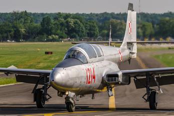 1214 - Private PZL TS-11 Iskra