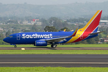 N7716A - Southwest Airlines Boeing 737-700