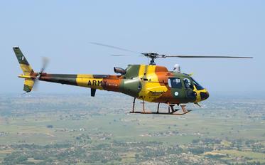 786-401 - Pakistan - Army Aerospatiale AS550 C-2 Fennec