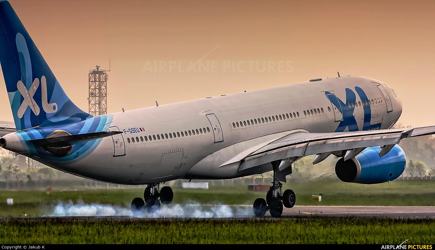 F gseu xl airways france airbus a330 200 at dublin for Airbus a330 xl airways interieur