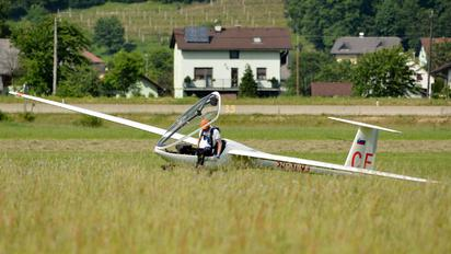 S5-3093 - Aeroklub Celje DG Flugzeugbau DG 300