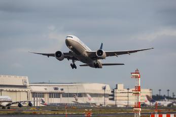 N77019 - United Airlines Boeing 777-200ER