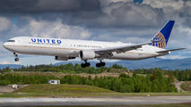 N66051 - United Airlines Boeing 767-400ER aircraft