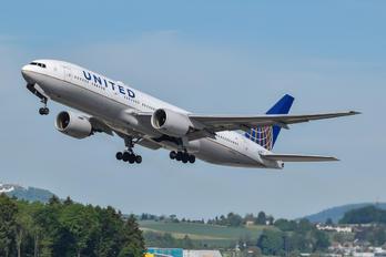 N769UA - United Airlines Boeing 777-200ER