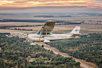 N118FR - Private Cessna 172 Skyhawk (all models except RG)