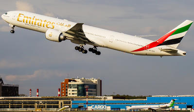 A6-EBE - Emirates Airlines Boeing 777-300ER