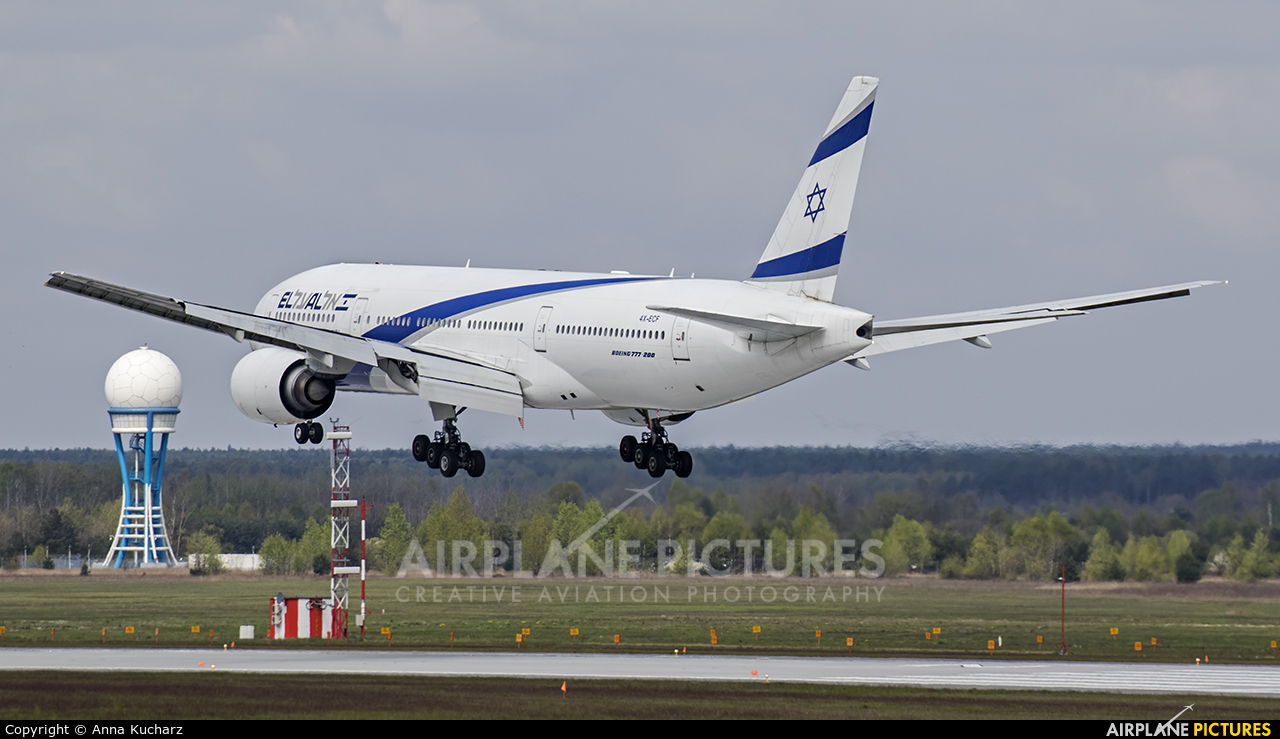 El Al Israel Airlines 4X-ECF aircraft at Katowice - Pyrzowice