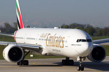A6-ENE - Emirates Airlines Boeing 777-300ER
