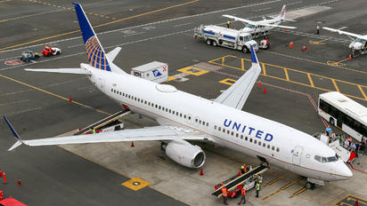 N77520 - United Airlines Boeing 737-800