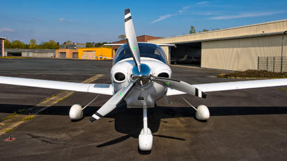 N925YH - Private Diamond DA 40 Diamond Star