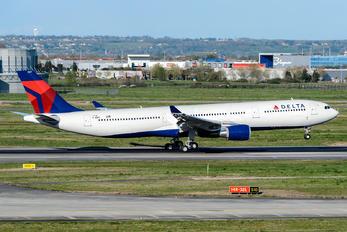 F-WWYE - Delta Air Lines Airbus A330-300