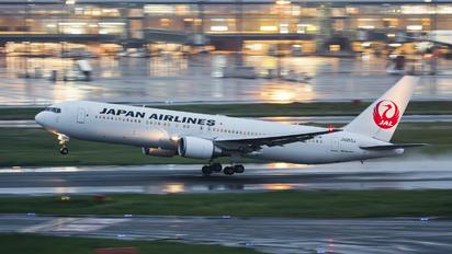 JA653J - JAL - Japan Airlines Boeing 767-300ER