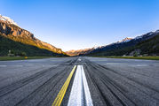 LSMM - - Airport Overview - Airport Overview - Runway, Taxiway aircraft