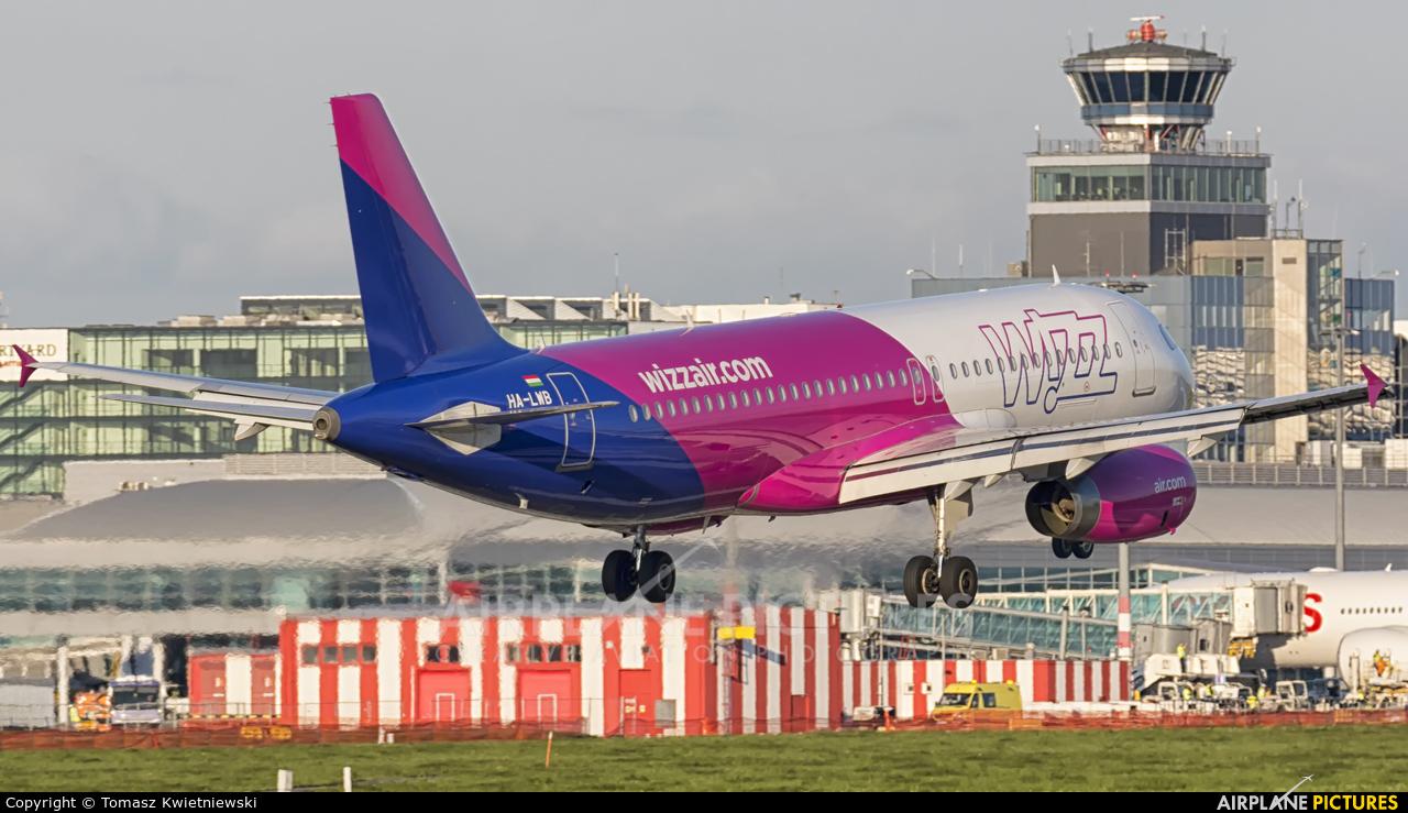 Wizz Air HA-LWB aircraft at Prague - Václav Havel