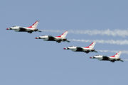USAF Thunderbirds at Ft. Lauderdale Intl Airshow 2016 title=