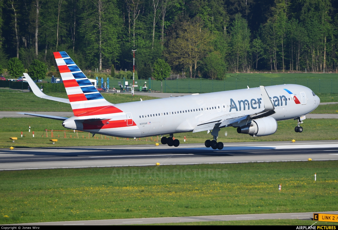 American Airlines N399AN aircraft at Zurich
