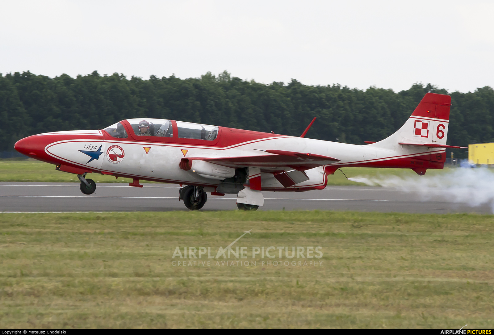 Poland - Air Force: White & Red Iskras 2006 aircraft at Dęblin