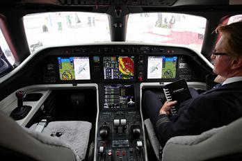 N721EE - Embraer Embraer EMB-550 Legacy 500