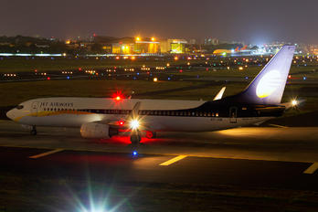 VT-JGK - Jet Airways Boeing 737-800