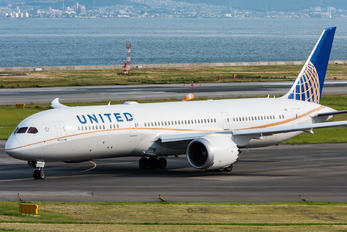 N26960 - United Airlines Boeing 787-9 Dreamliner