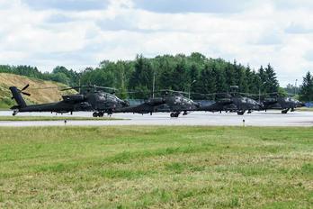 45437 - USA - Army Boeing AH-64 Apache
