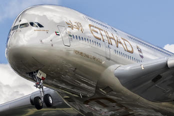 A6-APB - Etihad Airways Airbus A380