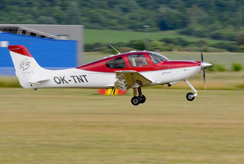 OK-TNT - Private Cirrus SR22