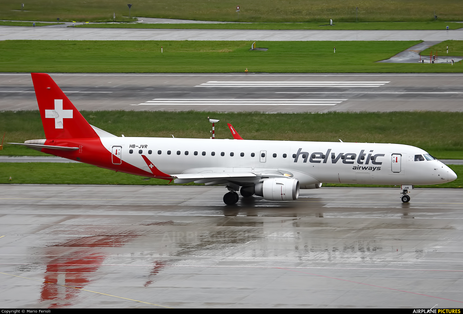 Helvetic Airways HB-JVR aircraft at Zurich