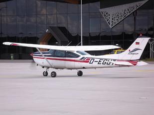 D-EGUT - Private Cessna 182 Skylane RG