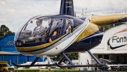 PP-WFM - Private Robinson R44 Astro / Raven