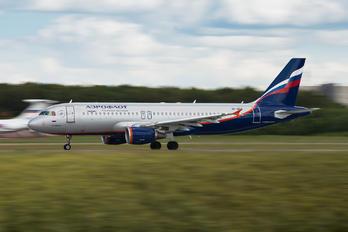 VP-BRX - Aeroflot Airbus A320