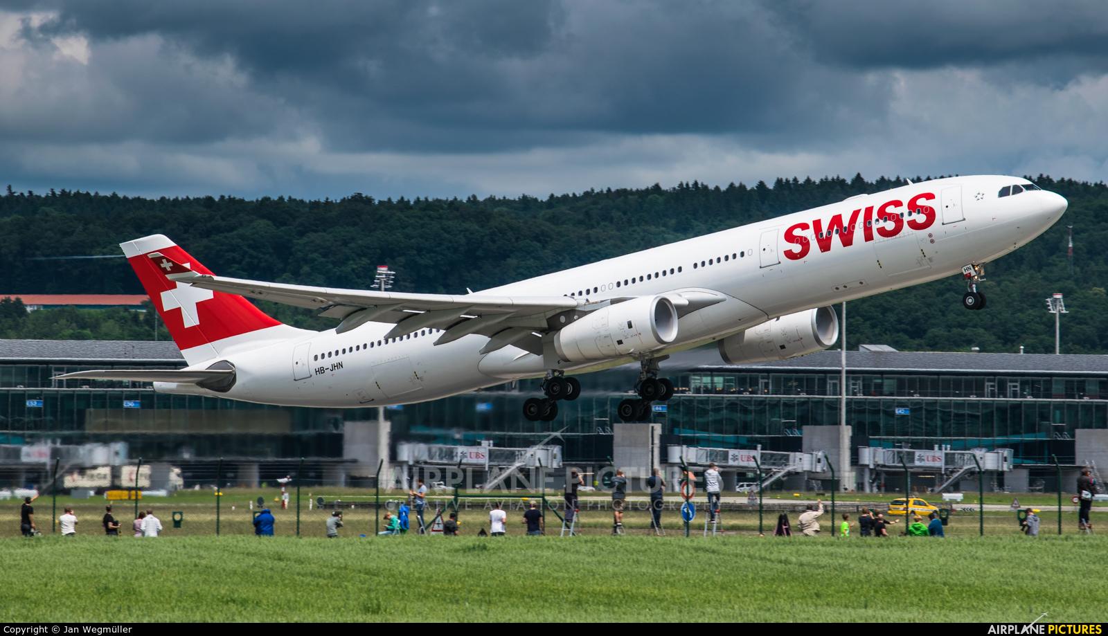 Swiss HB-JHN aircraft at Zurich