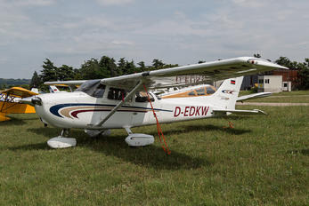 D-EDKW - Private Cessna 172 Skyhawk (all models except RG)