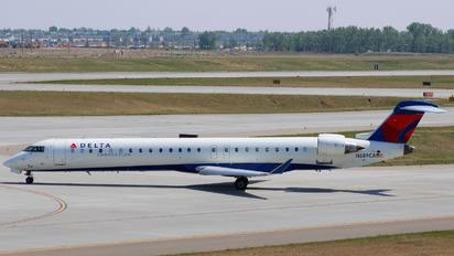 N689CA - Delta Connection - SkyWest Airlines Canadair CL-600 CRJ-900